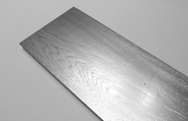 Peinture effet or argent cuivre ou acier pour un aspect for Peinture couleur argent pour bijoux